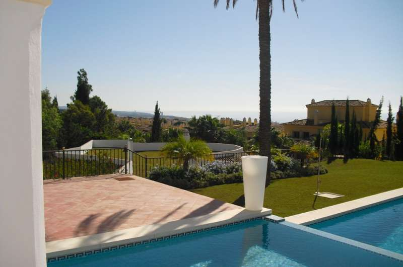 Villa for sale in Cascada De Camojan