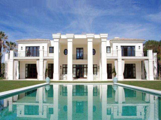 395001-villa-and-pool