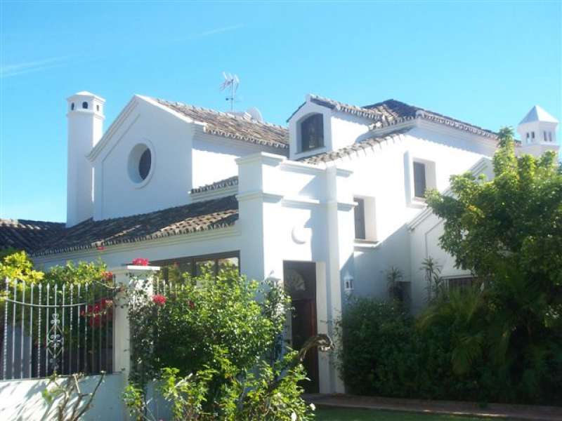 Villa for long term rent in Guadalmina Baja