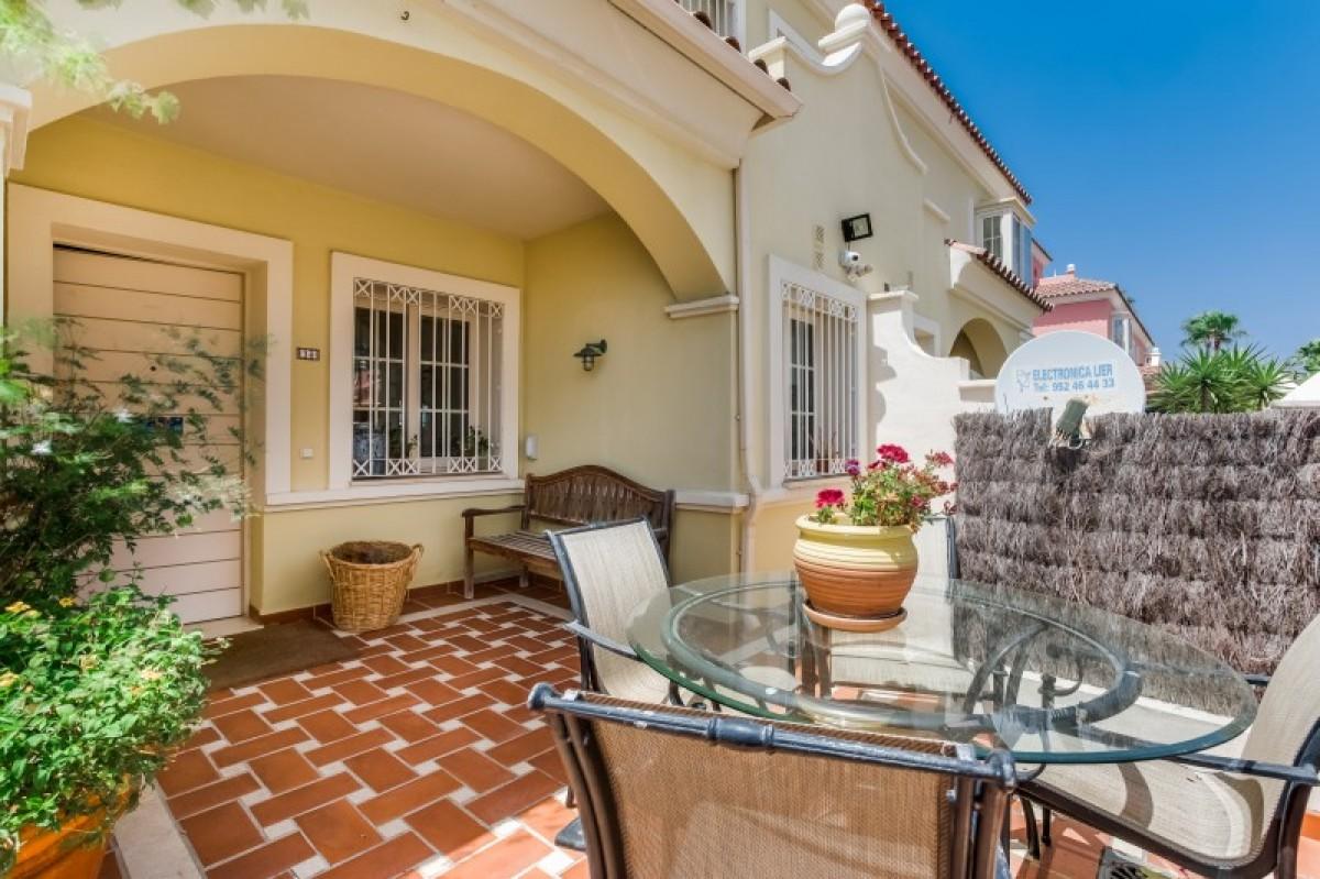Villa for sale in San Pedro Playa
