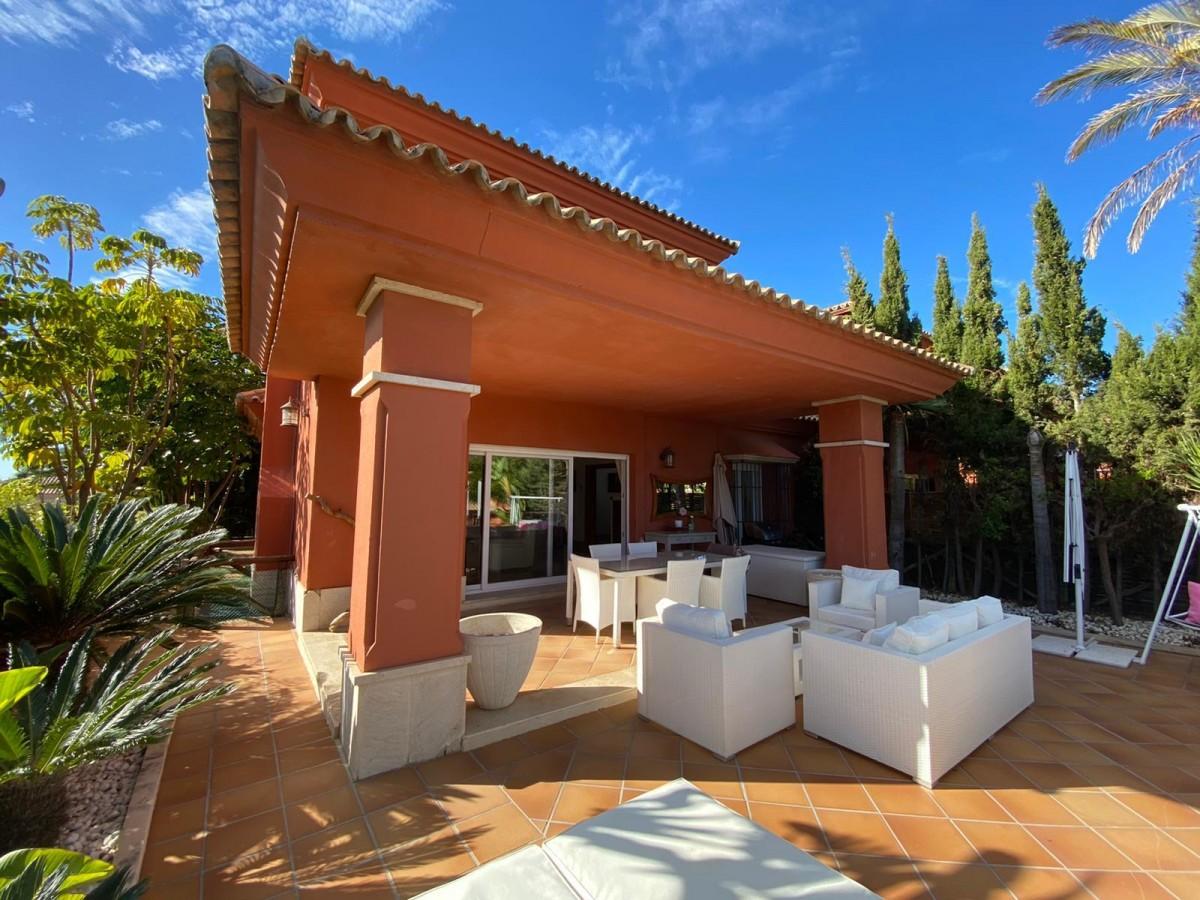 Villa for long term rent in Marbella