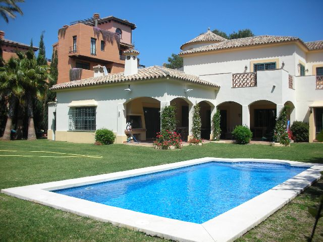 Villa for long term rent in Estepona (New Golden Mile)