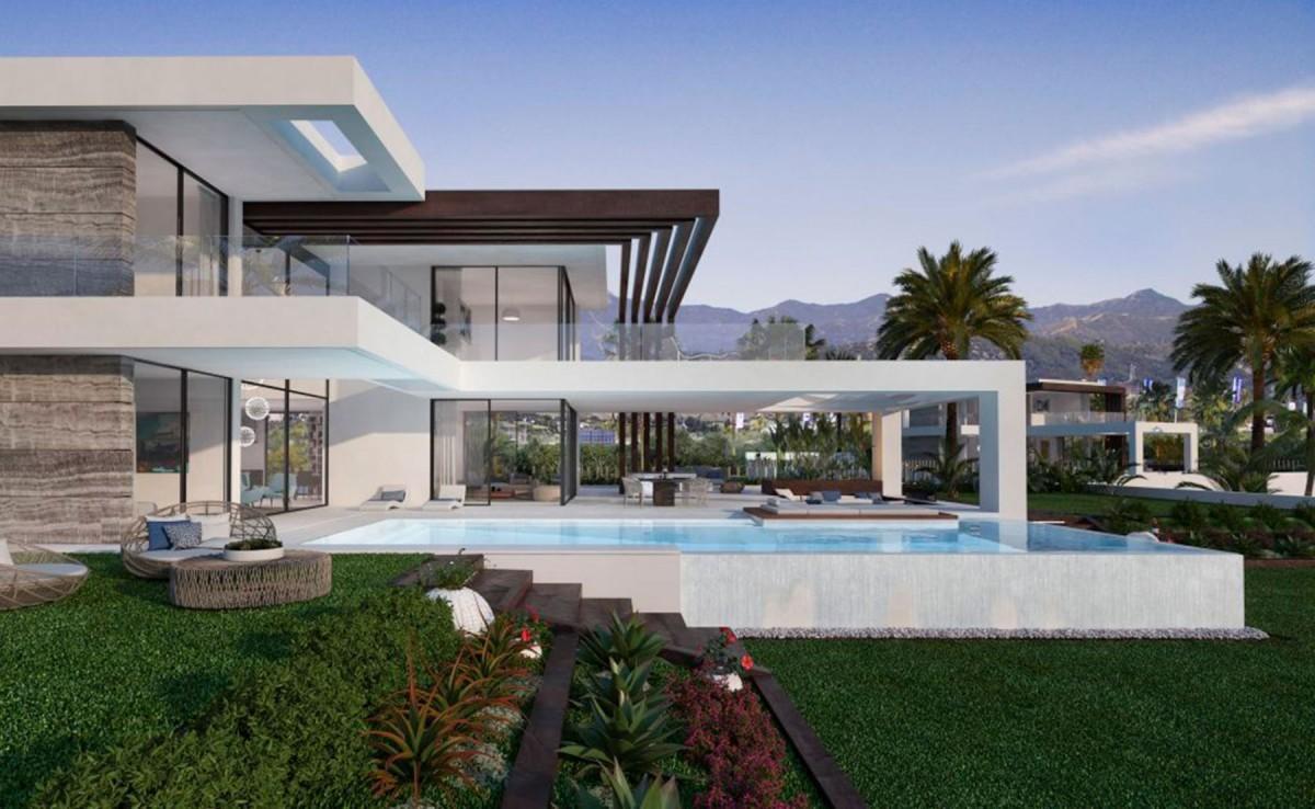 Villa for sale in Estepona (New Golden Mile)
