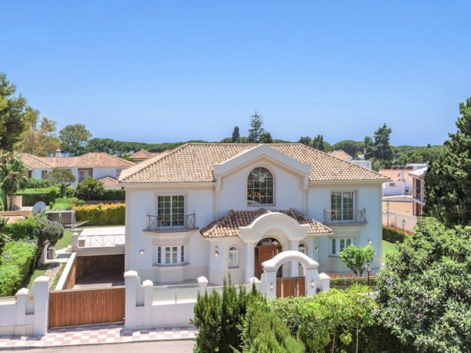 Villa for sale in Marbella Golde Mile