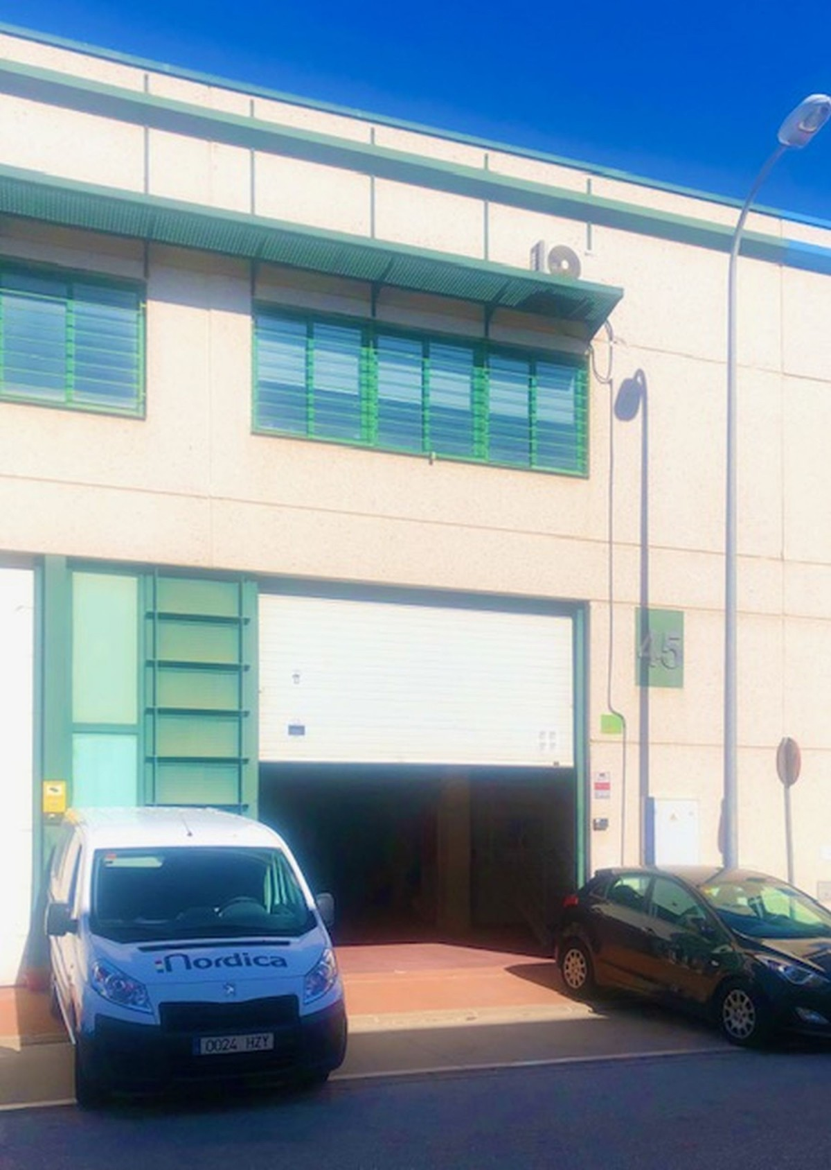 Commercial for long term rent in Nueva Andalucia