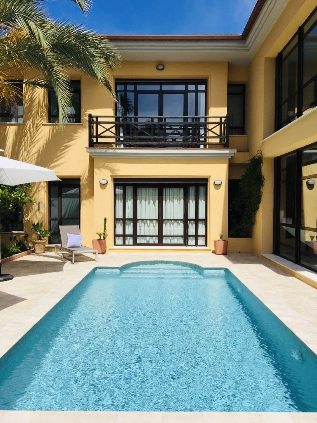 Villa for long term rent in Puerto Banus