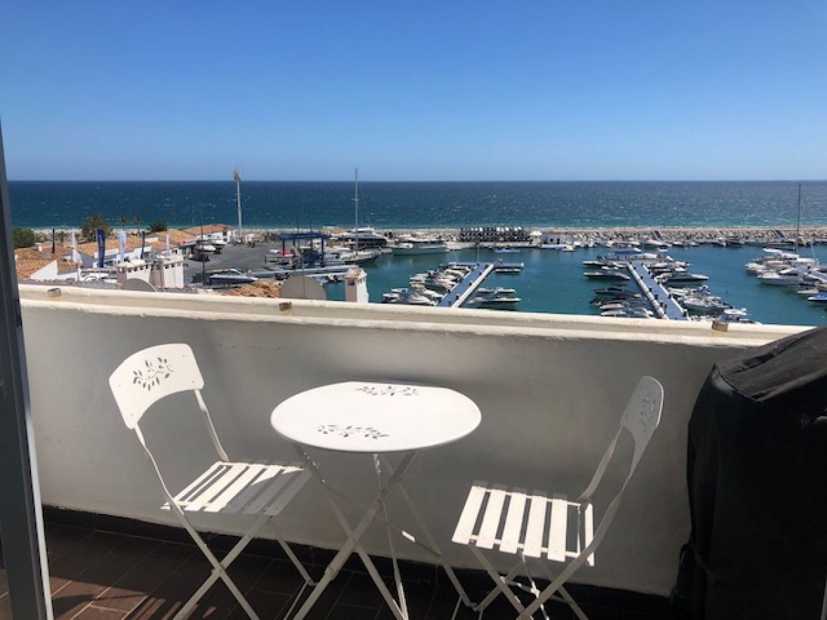 Modern 2 Bedroom Apartment available for long term rent in Puerto Banus