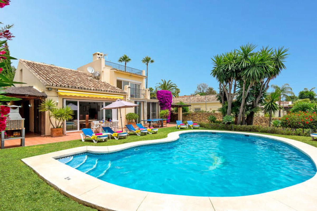 Villa for long term rent in Los Naranjos Golf