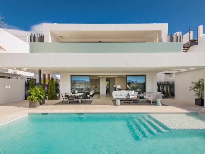 Stunning villa for sale in Marbella Golden Mile