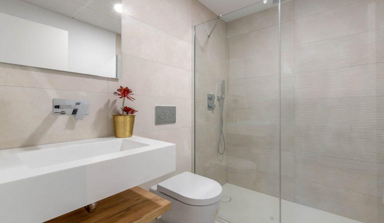 05-main-bath-alborada-homes-full-res-1500x1000