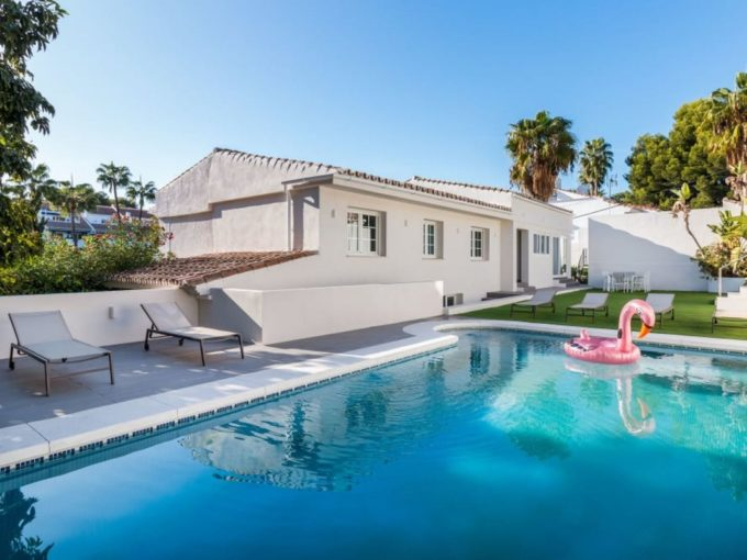 Lovely 4 bedroom Villa with private pool in Nueva Andalucia