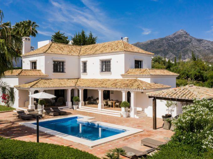 Exclusive 4 bedroom Villa in the Golf Valley, Nueva Andalucia