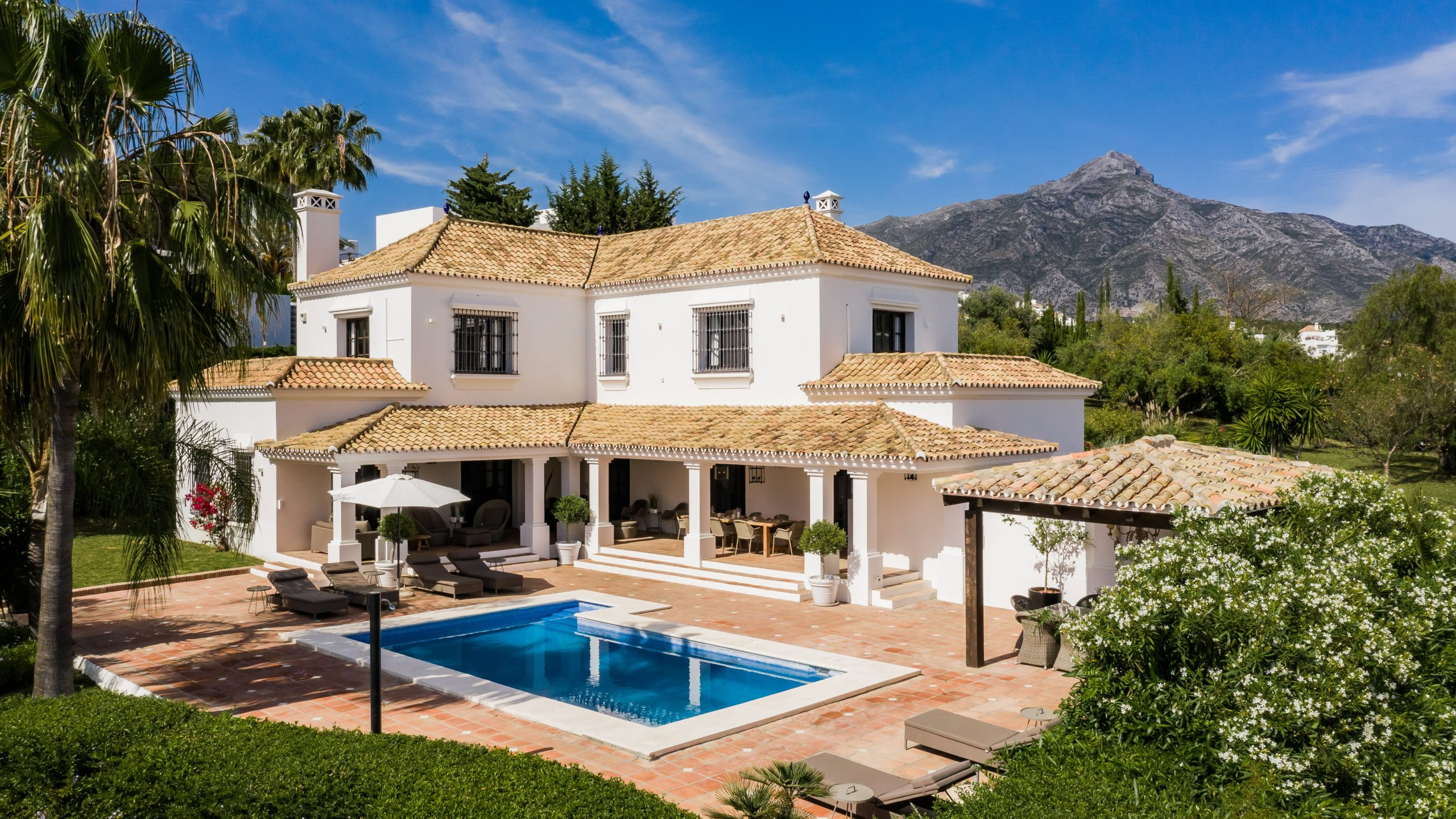 Exclusive 4 bedroom Villa in the Golf Valley, Nueva Andalucia
