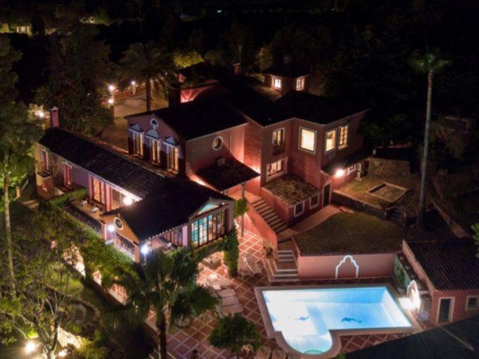 Stunning 12 bedroom mansion in private development of Vega Colorado, La Quinta