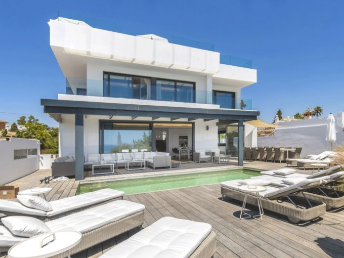 Modern Villa located right on the beach in East Marbella
