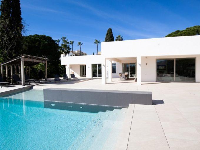 Modern Villa with stunning views for Long term rent