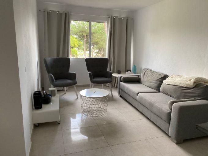Modern split level 1 bedroom apartment in Nueva Andalucia