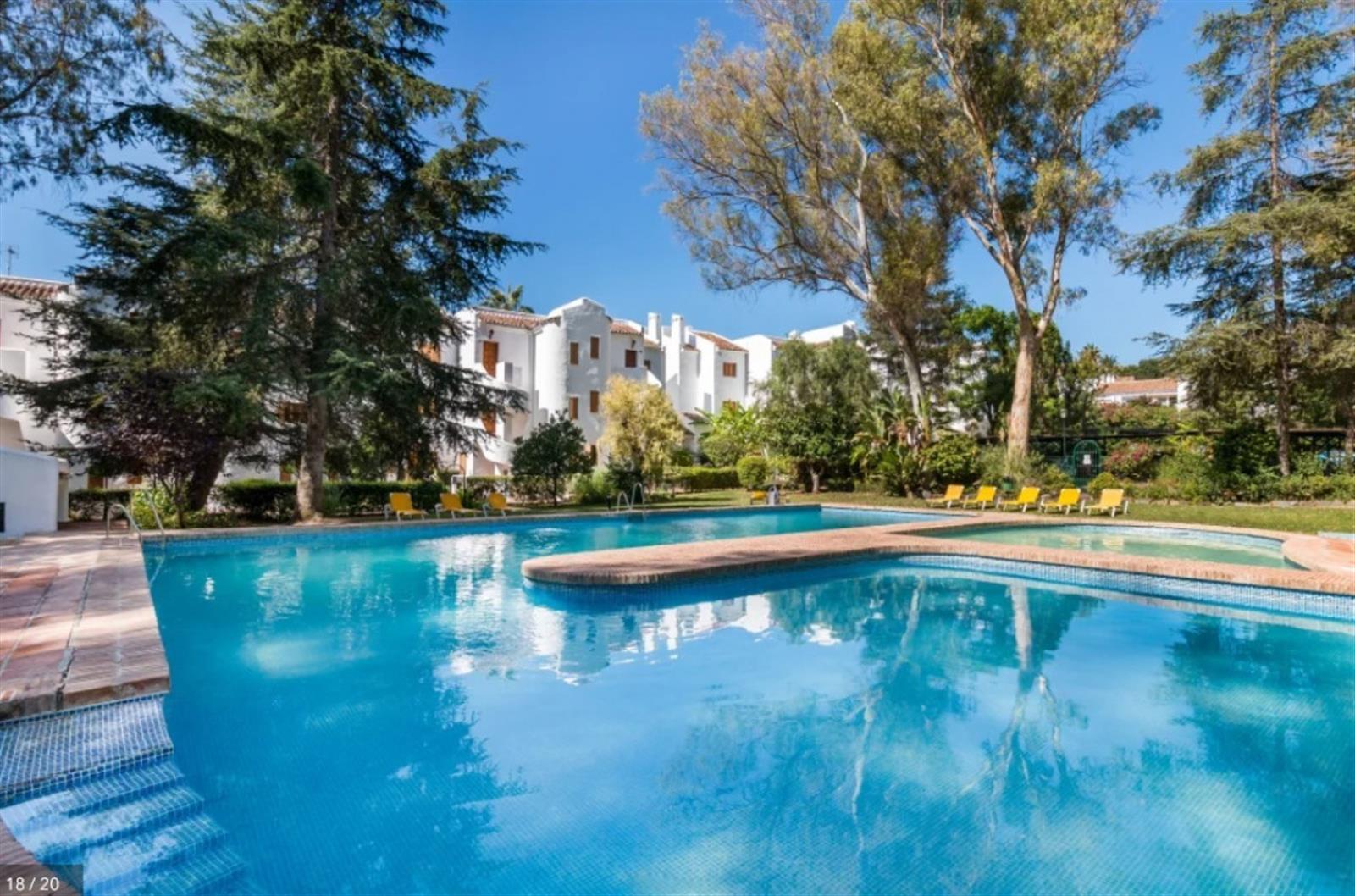 2 bedroom ground floor apartment, Le Village, Nueva Andalucia