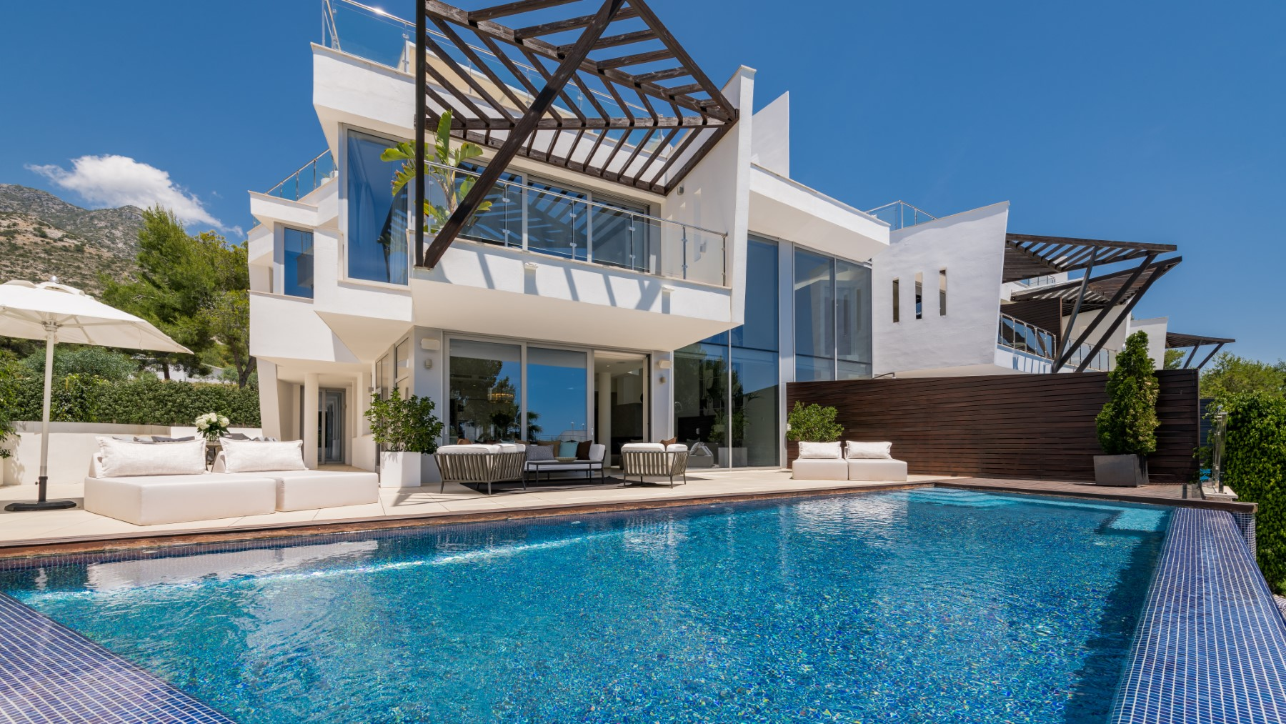 Meisho Hills is an exclusive residential complex, located in Marbella