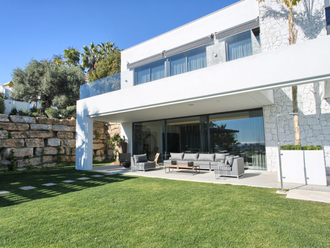 New Built contemporary quality villa to the highest standards and specs